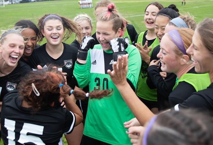 女子足球本周开始主场四场比赛 对阵SFU和SMU