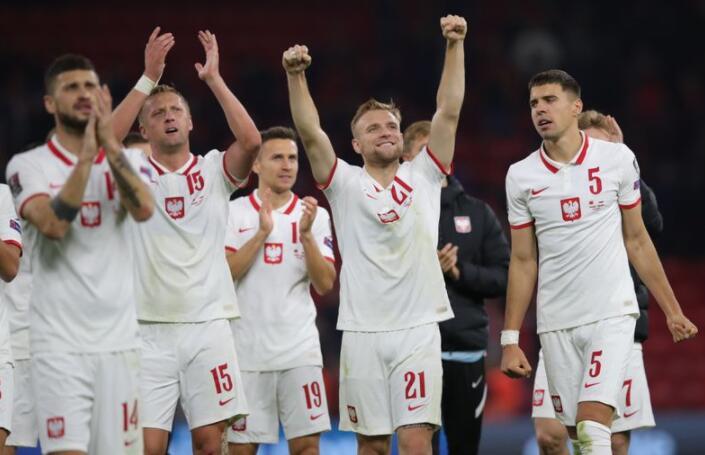 在人群出现问题后 波兰足球队在阿尔巴尼亚以1-0的比分取胜希望