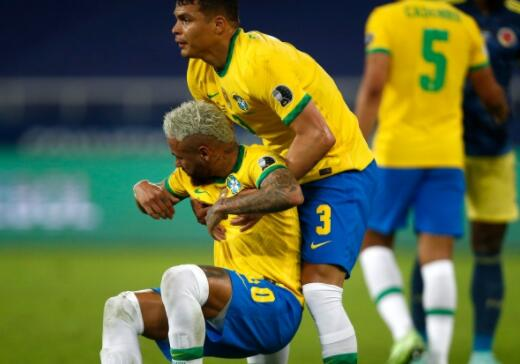 内马尔退役我希望他不要失去踢球的乐趣 巴西队友蒂亚戈席尔瓦