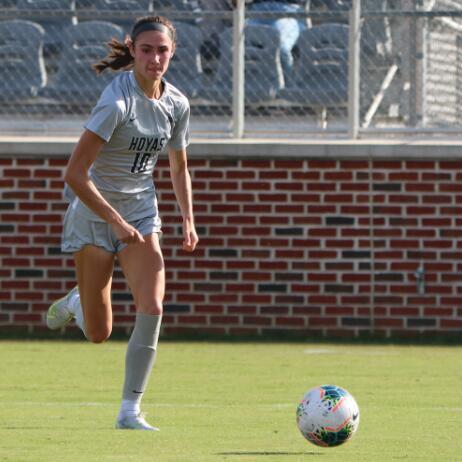 女子足球 粗壮的防守帮助GU击败圣约翰 保持不败