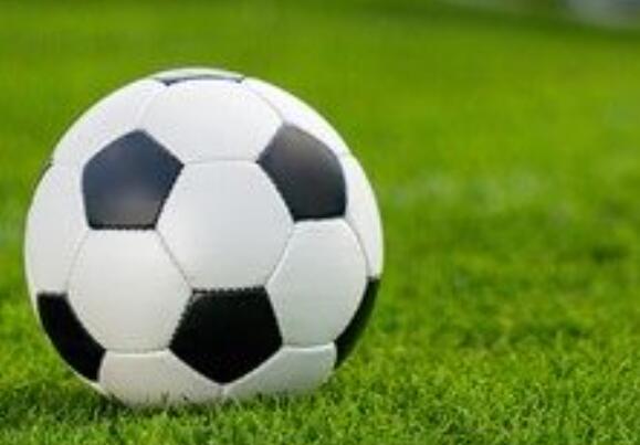 高中:阿姆斯特丹女子足球甲级成绩超过特洛伊