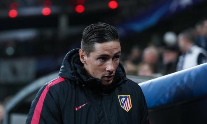 atletico madrid前锋费尔南多托雷斯在Laliga冲突期间遭受头部伤害后离开医院