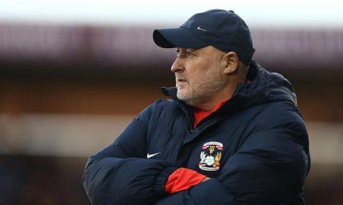 联盟一股纤维队长Coventry City Sack Manager Russell Slade在不到三个月的费用后