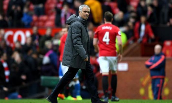 曼联FC新闻:Jose Mourinho有关家庭形式可能会花费前四个点