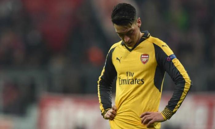阿尔森温格说,Mesut Ozil'应该是OK'在Crunch Premier League与利物浦发生的攻击中扮演阿森纳