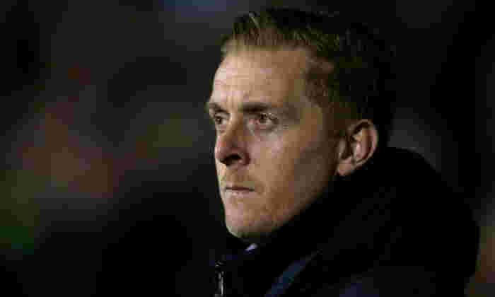 LEEDS 2-0 Brighton和Hove Albion:海鸥错过了走顶部的机会