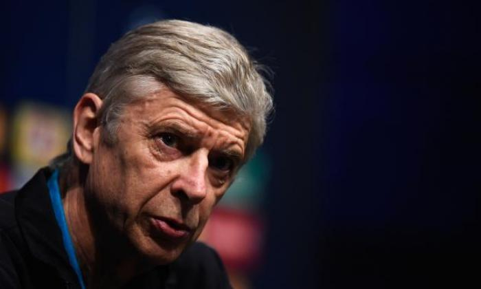 阿森纳老板阿塞琳温格坚持他对巴塞罗那的工作并不感兴趣,并且不是在寻找其他俱乐部的工作